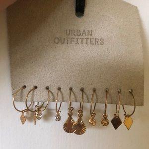 5 pairs of Earrings